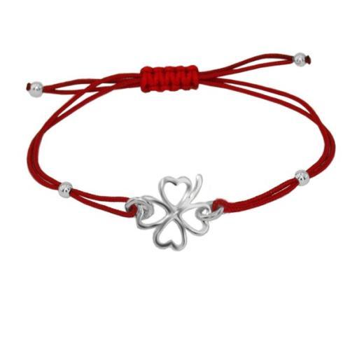Гривна с червен конец и сребърен елемент детелинка В3