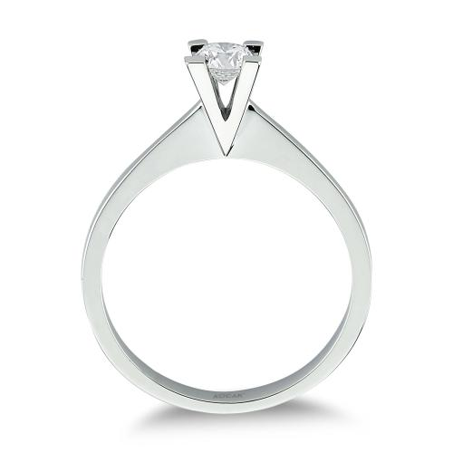 Диамантен годежен пръстен